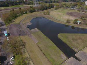 静かな池を眺めながらお昼寝したくなりそうです。一度立ち寄ってみてくださいね。