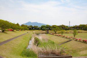 筑波山を眺めながらの水辺の散歩も爽やかです。