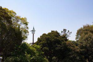 二宮公園のシンボル、時計塔が見えてきました。